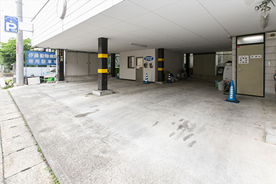 第1駐車場 4台分
